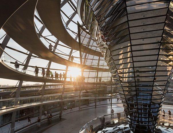 כיפת בניין הרייכסטג, הטיולים של נדב