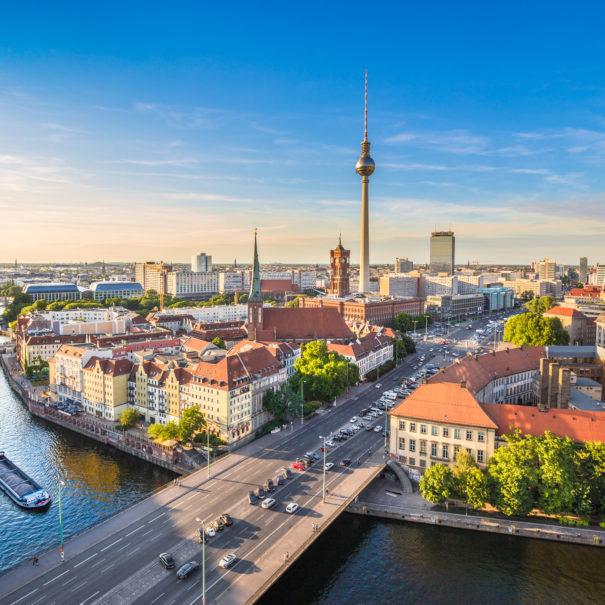 ברלין תמונה יפה - נהר השפרה ומגדל הטלויזיה - הטיולים של נדב בברלין