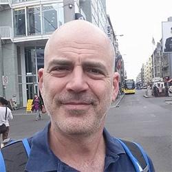 ערן מדריך טיולים - הטיולים של נדב בברלין