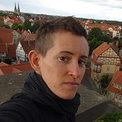 שרון - מדריכת טיולים - הטיולים של נדב בברלין