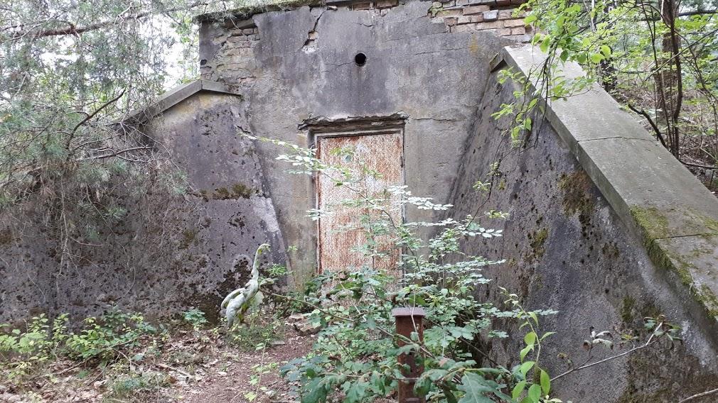 כניסה לבונקר נאצי תת קרקעי בווילה גבלס